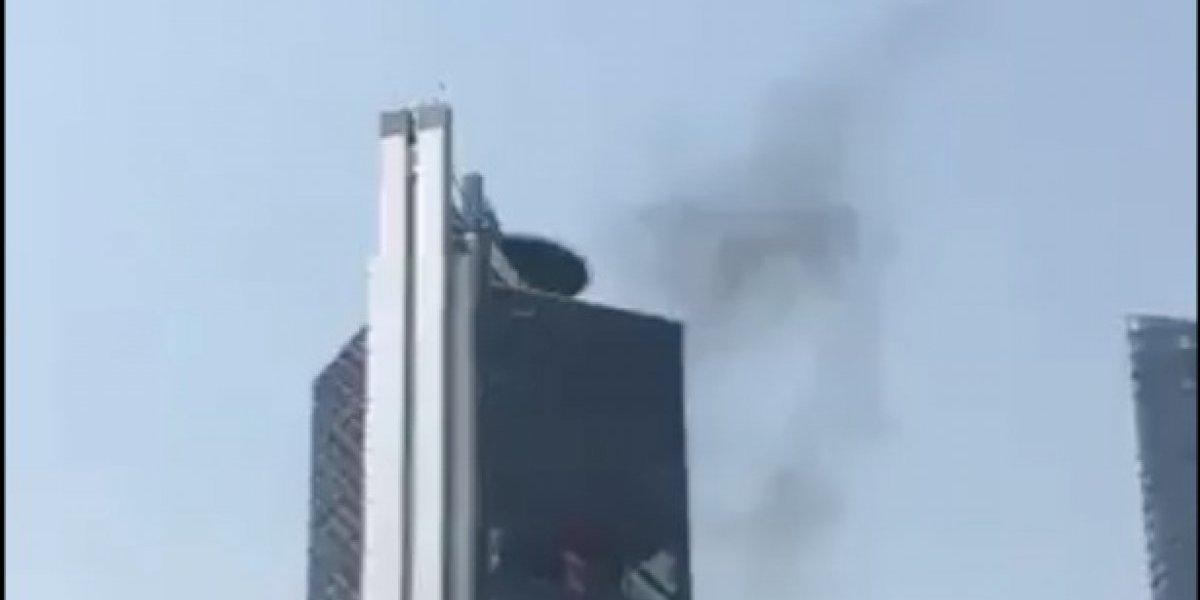 Ahora reportan humo en la Torre Bancomer
