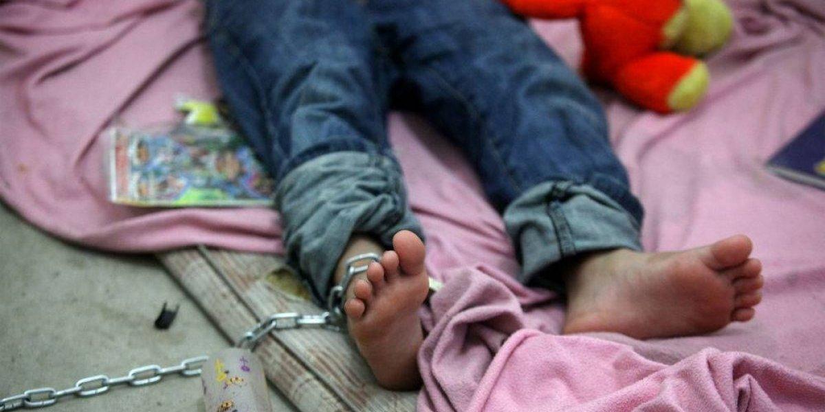 Rescatan a niño de 6 años que estaba encadenado en Tlalpan