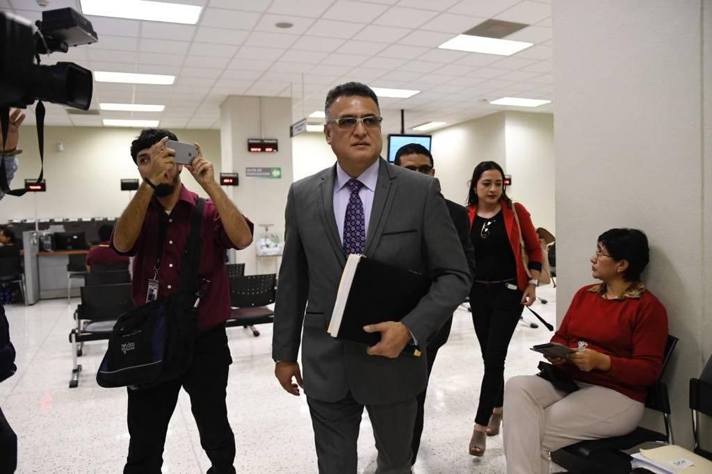 Roberto Mota Bonilla, exjefe de seguridad del OJ, se presenta a Juzgado