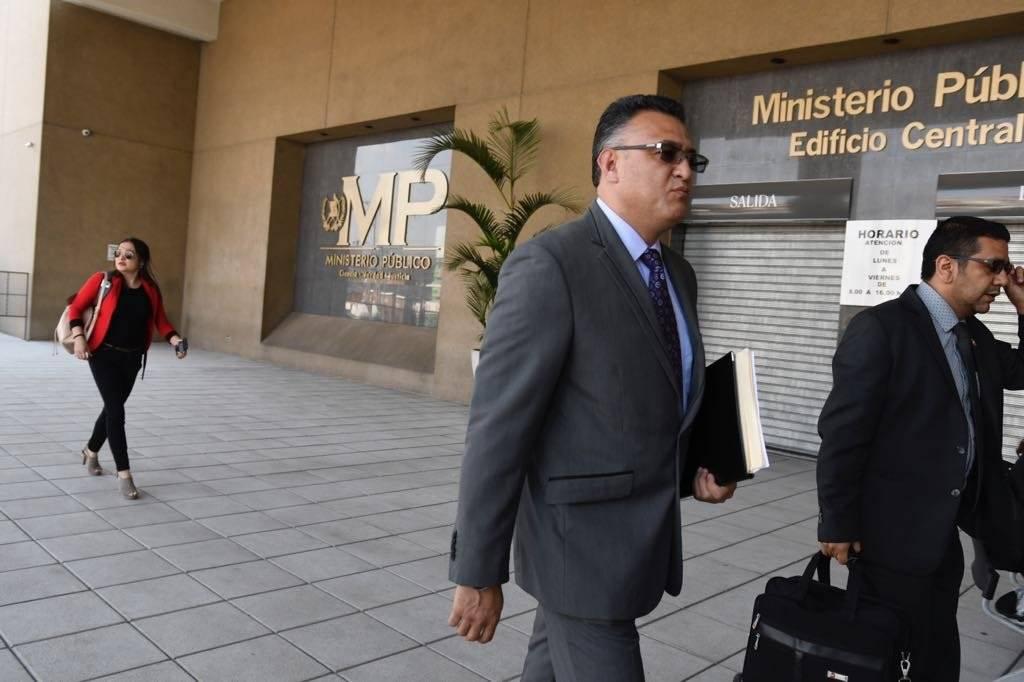 Roberto Mota Bonilla, exjefe de seguridad del OJ, se presenta a Juzgado. Foto: Omar Solís