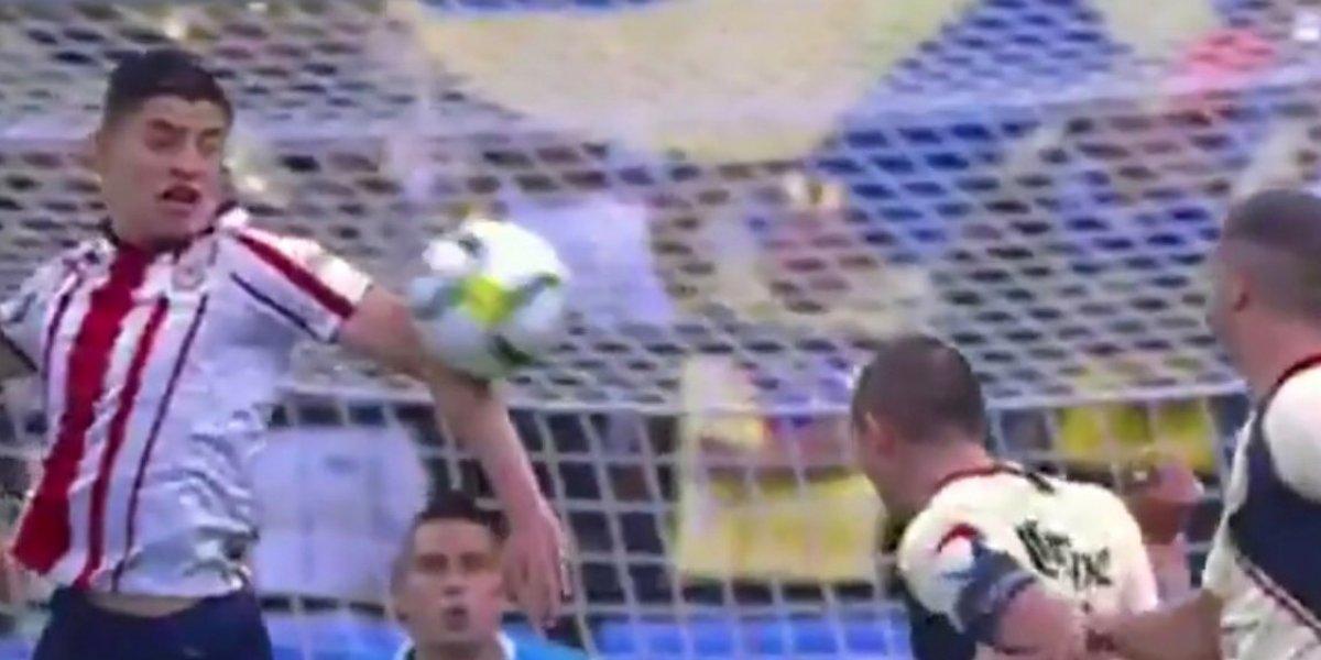 Las jugadas polémicas del Clásico nacional de la Copa MX