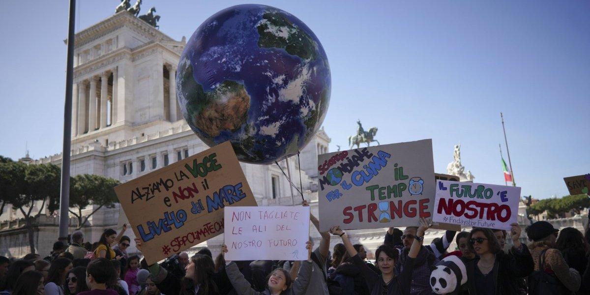 """""""Amenaza el destino de la humanidad"""": los pasos para """"frenar los peores efectos"""" de la emergencia climática global según 11 mil científicos"""