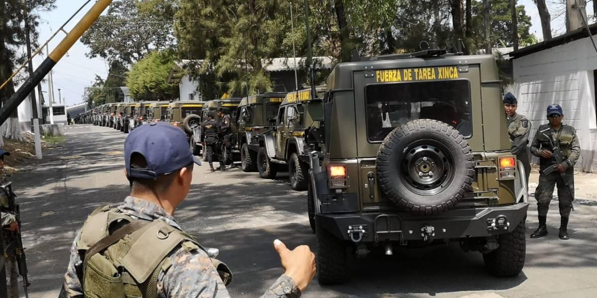 Vehículos Jeep J8 son trasladados a instalaciones de la Fuerza Aérea