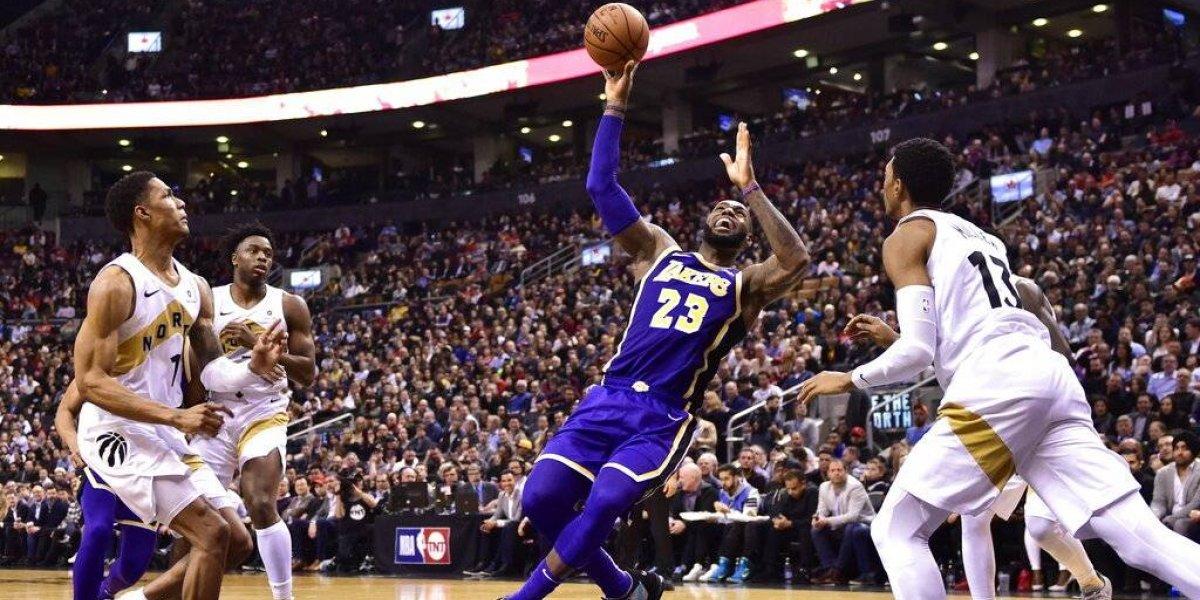 NBA: Los Lakers de LeBron James se hunden en un pozo sin fondo y están casi eliminados de los playoffs
