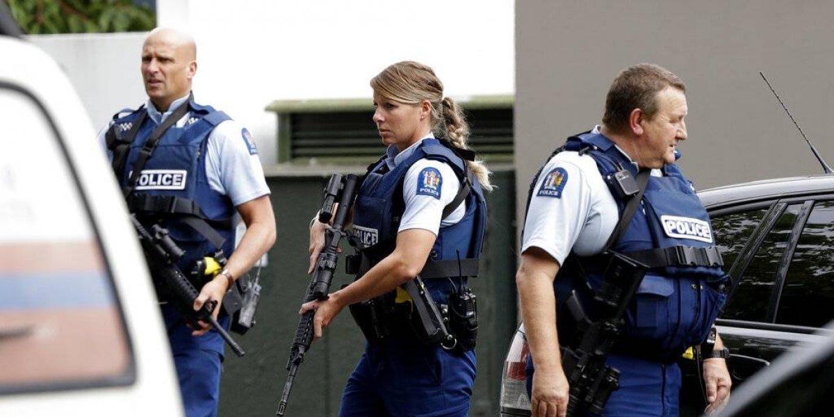 Hombre armado abre fuego contra feligreses en mezquita de Nueva Zelanda