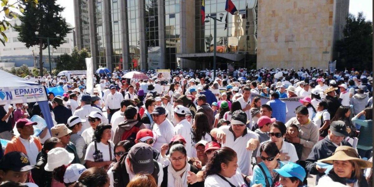Grupos 'Pro-vida' marcharon a la Asamblea Nacional