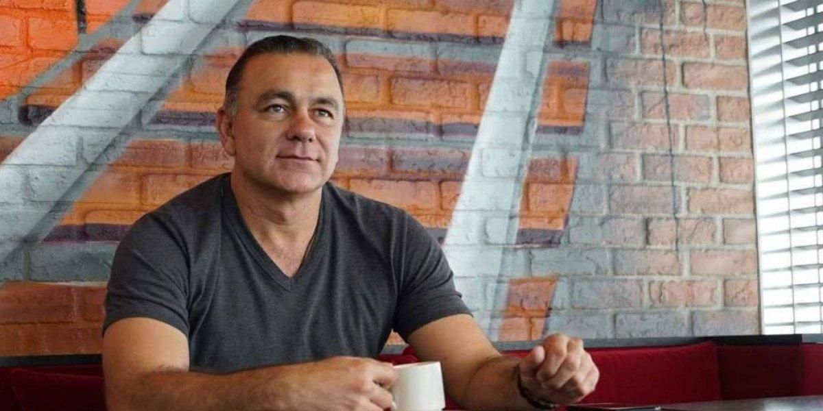 Dan 8 meses de prisión a empresario por amenazar a periodista
