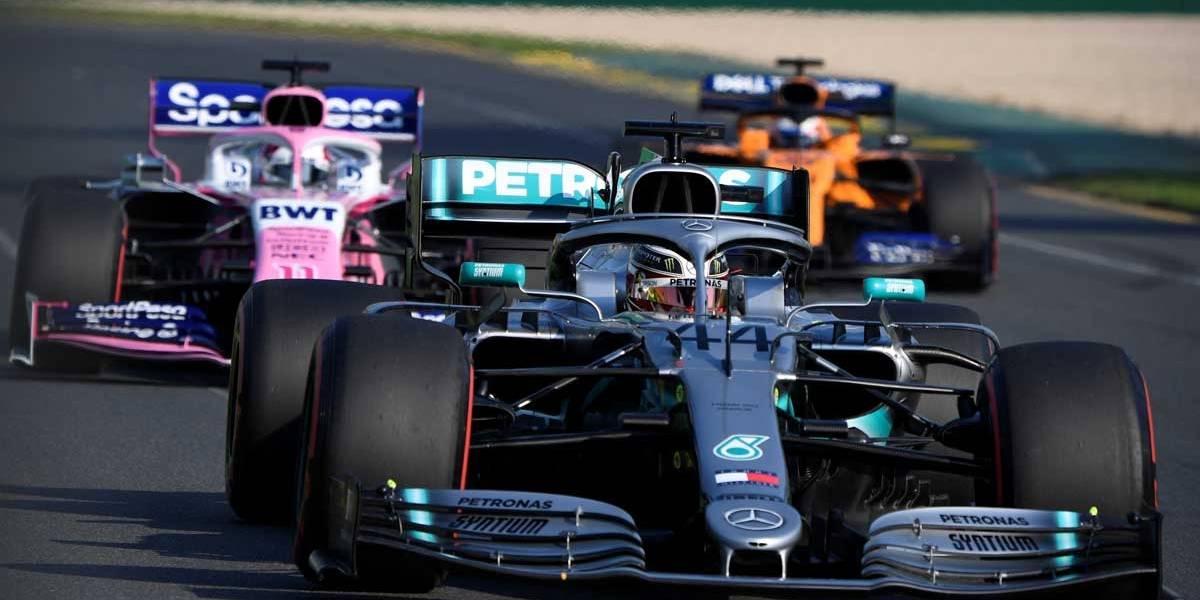 Hamilton larga na pole na estreia da F1, na Austrália