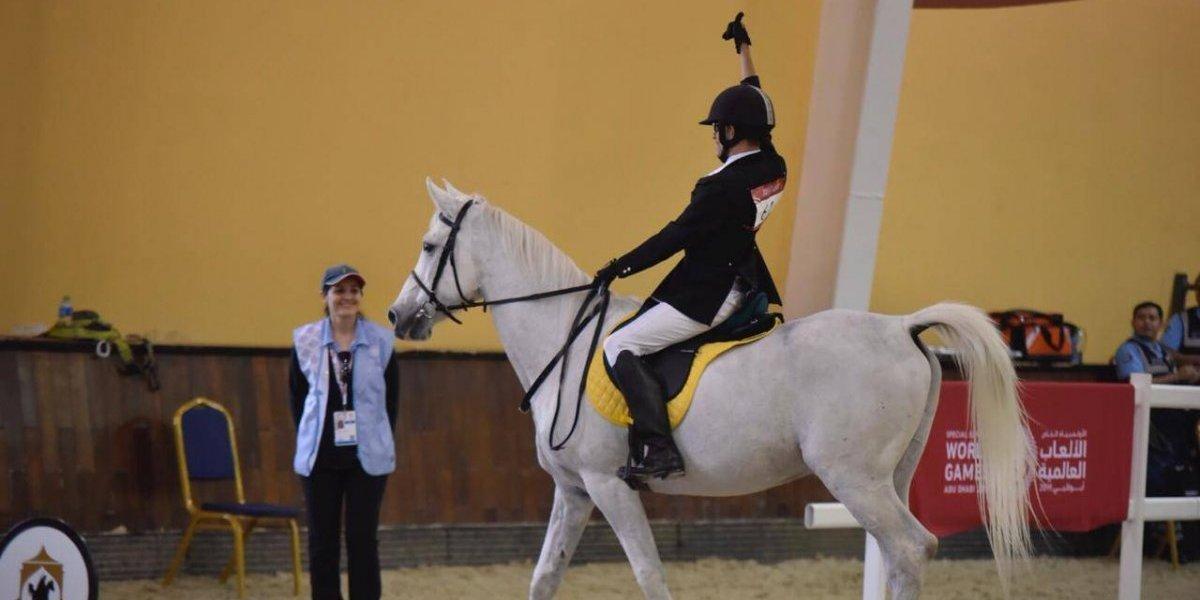 #GuateenAbuDhabi Ovalle cabalgó hasta el primer oro de Guatemala en los Juegos Mundiales de Olimpiadas Especiales