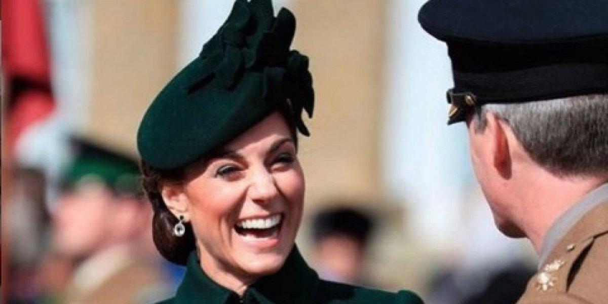 Así como Angelique Boyer, Kate Middleton se puso la ropa al revés