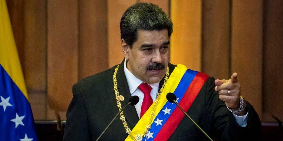 Maduro pide renuncia de todo su gabinete