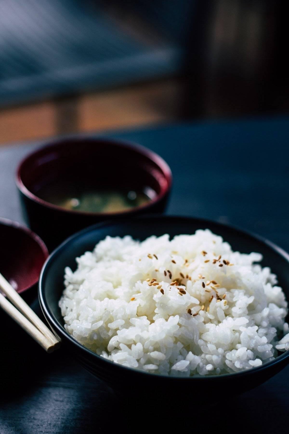 agua de arroz y aceite de coco