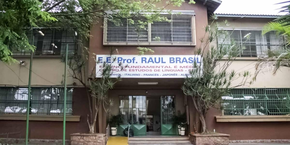 Após atentado em Suzano, professores e funcionários voltam à Raul Brasil