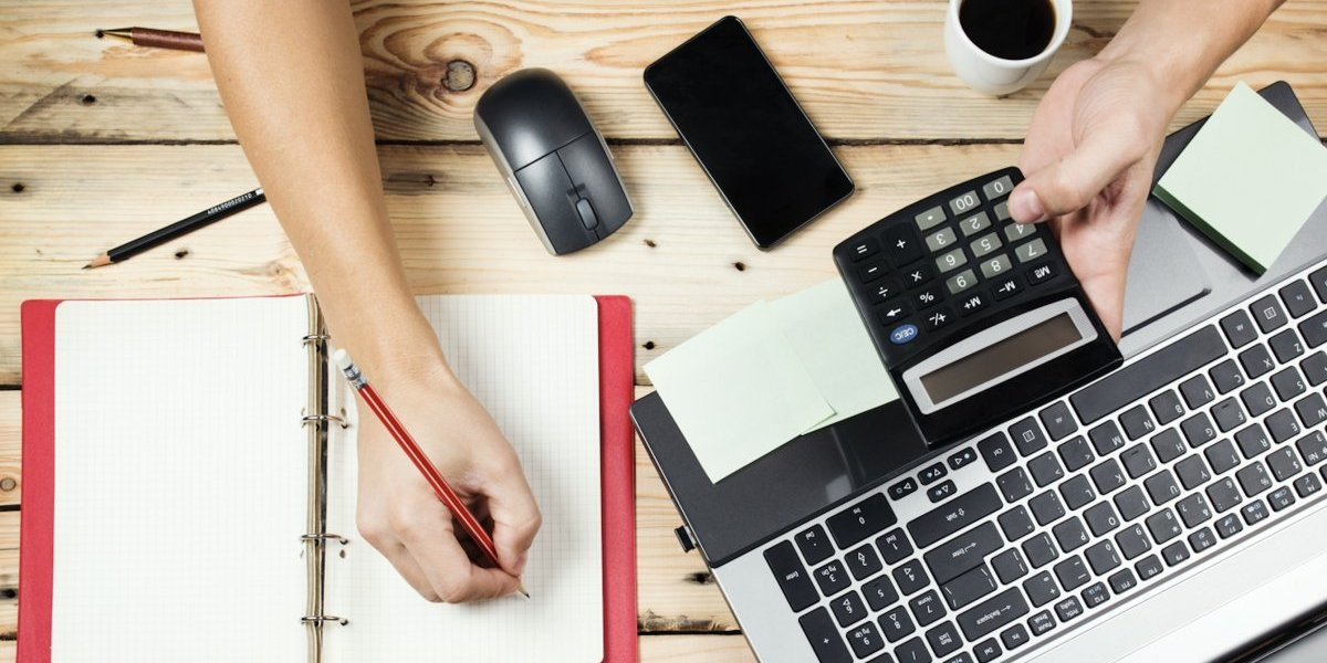 Consejos financieros para los emprendedores que buscan impulsar su negocio este verano