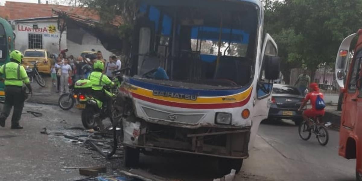 Choque entre dos busetas dejó diez heridos en Barranquilla