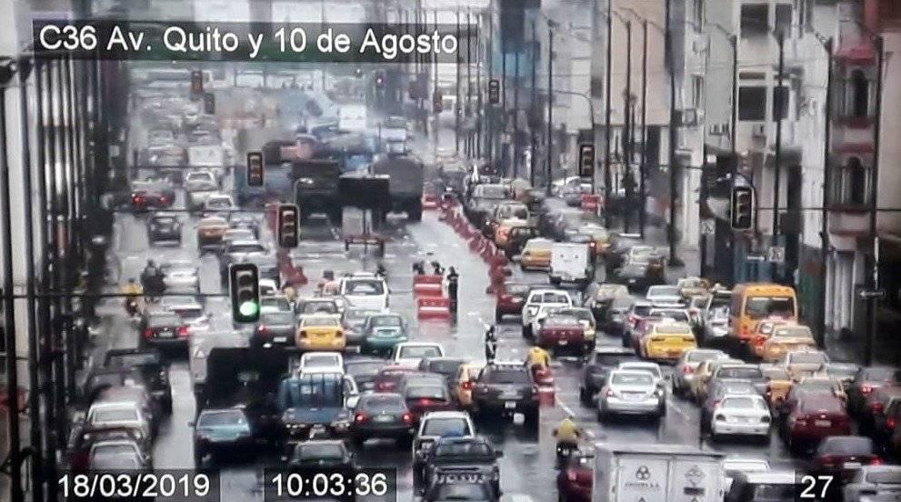Avenida Quito colpasada.