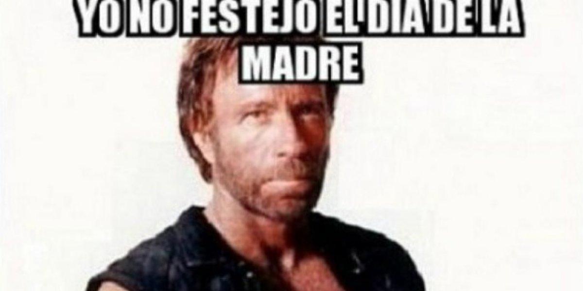 """""""Chuck Norris in the house..!!!"""": locura y memes por la visita del actor estadounidense a Chile"""