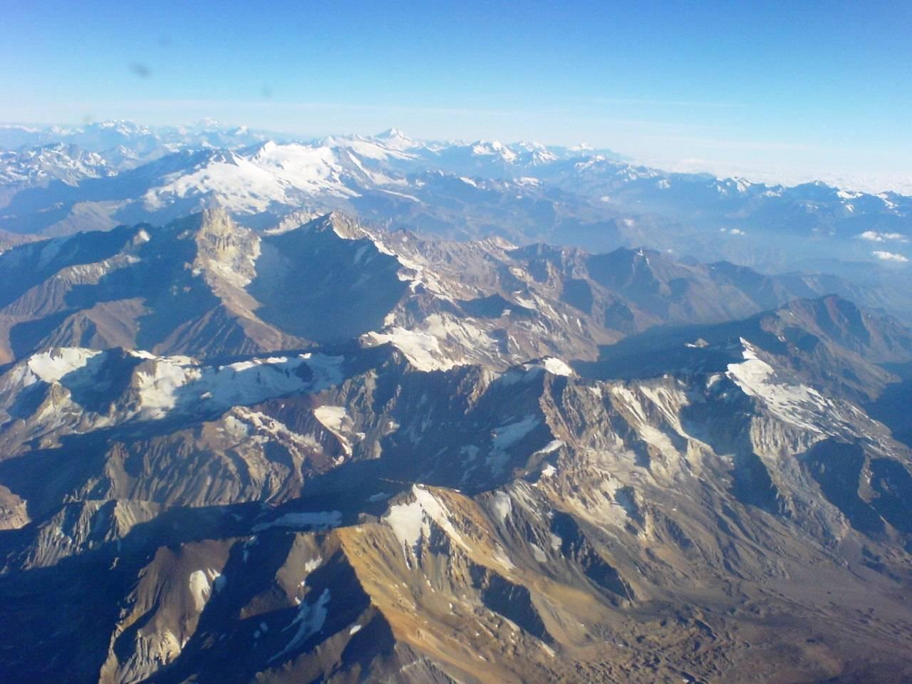 Nieve en la Cordillera de los Andes registraría contaminación según estudio