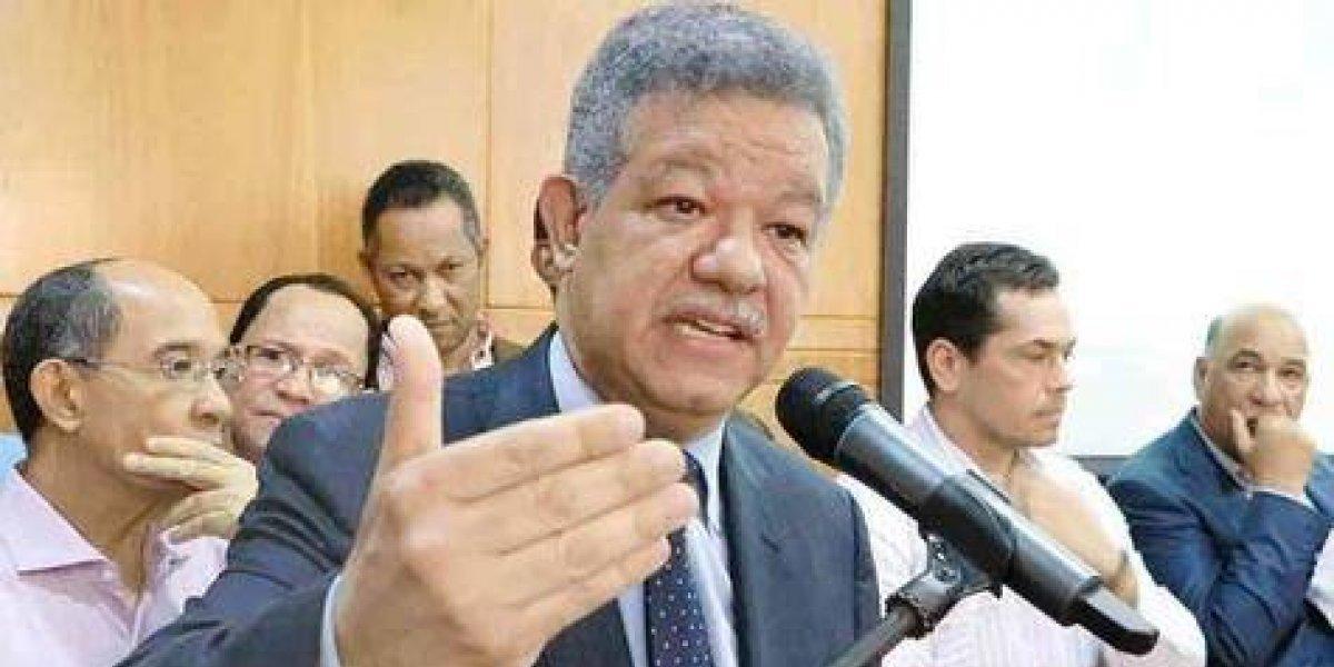 Fernández reitera que la Constitución pone límites al poder