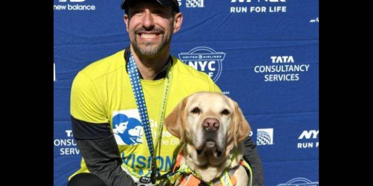 Corredor ciego termina medio maratón de Nueva York asistido por perros guías
