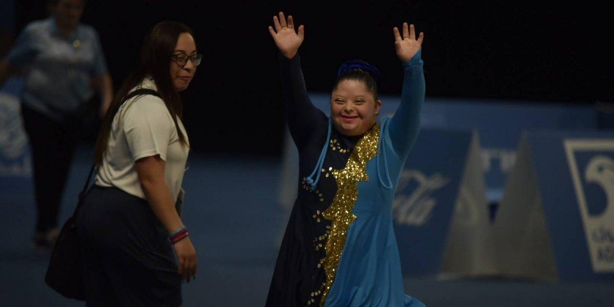 #GuateenAbuDhabi las gimnastas Diana Paz y Sayra Barrios se apuntan en el medallero de Guatemala