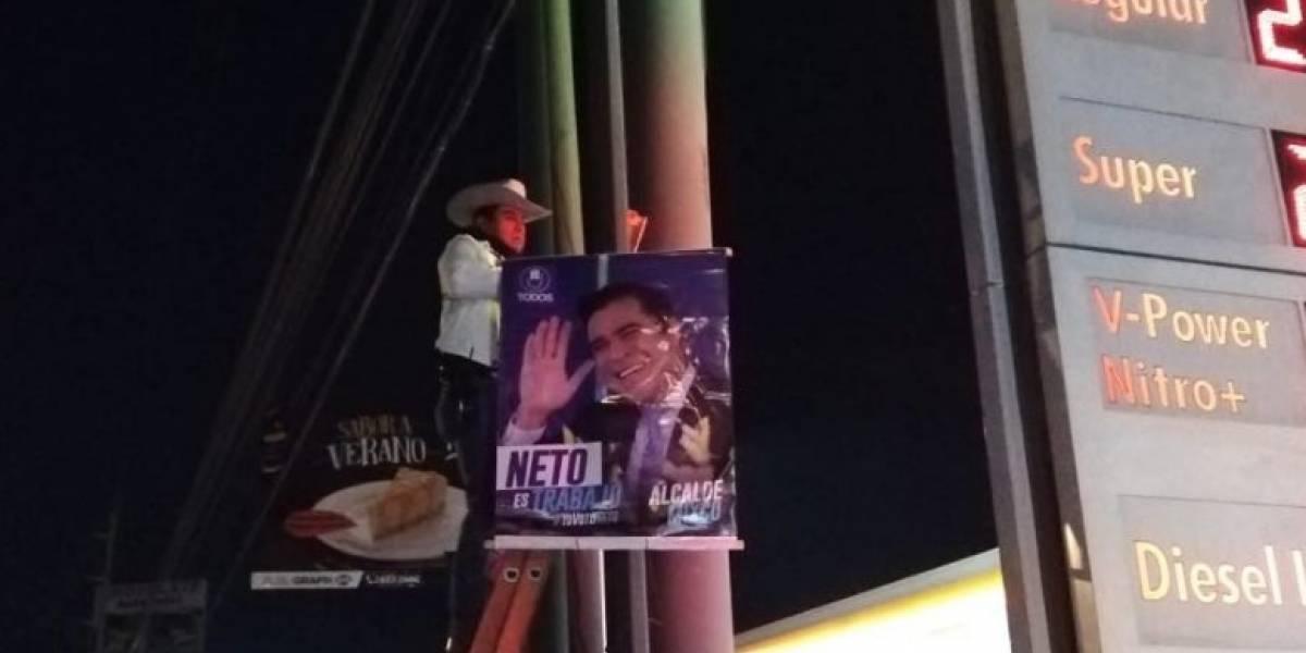 Candidatos cuelgan y exhiben su propia publicidad en primer día de campaña electoral