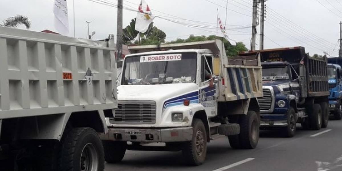 Paro de volqueteros en Medellín por la medida del pico y placa ambiental