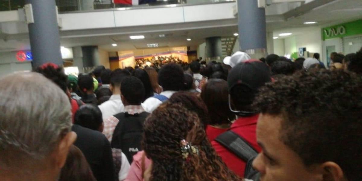 Pasajeros del Metro de Santo Domingo varados por inconvenientes en la Línea uno