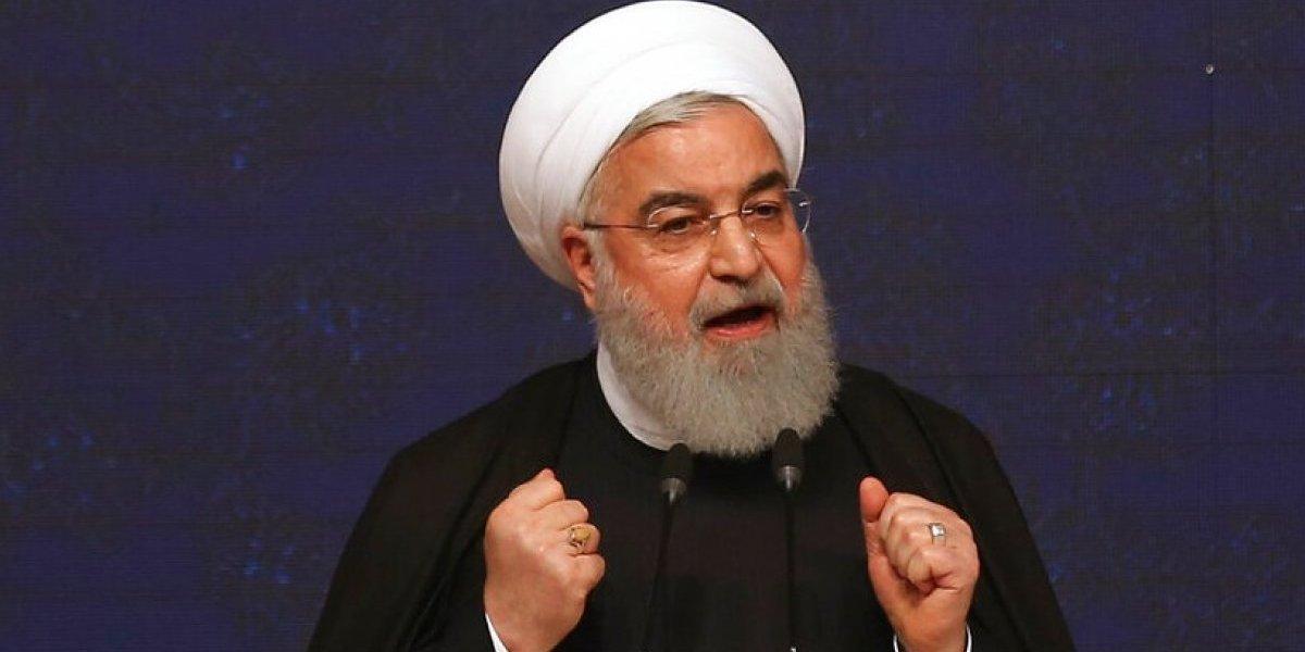 """Presidente de Irán """"da permiso"""" a ciudadanos para maldecir a Estados Unidos"""