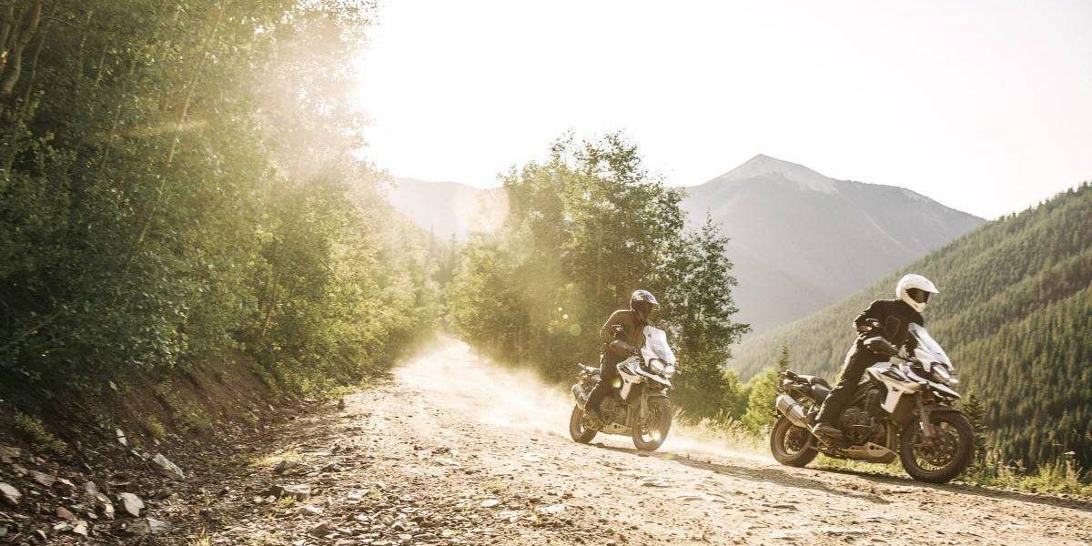 Cómo conducir seguro en pistas off road con una moto