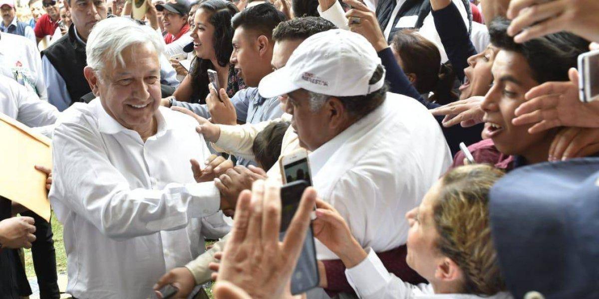 Vamos a rescatar a Pemex y no habrá gasolinazos: López Obrador