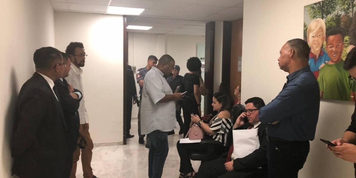 Assessores fazem vigília na Assembleia de SP para protocolar pedidos de CPI