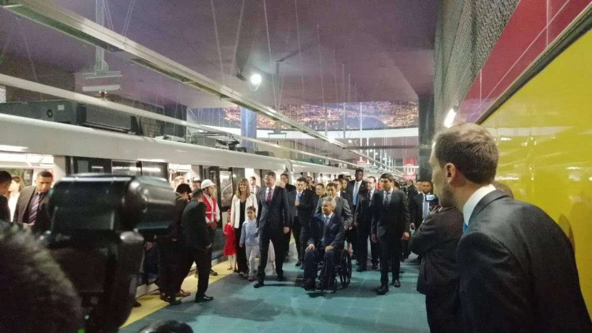 Así se vivió el primer viaje del Metro de Quito con pasajeros