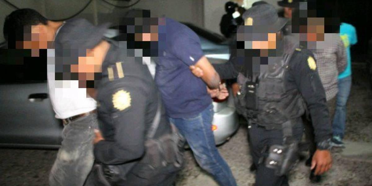 Detienen a implicados en robo de Q30 mil en comercio de Villa Nueva