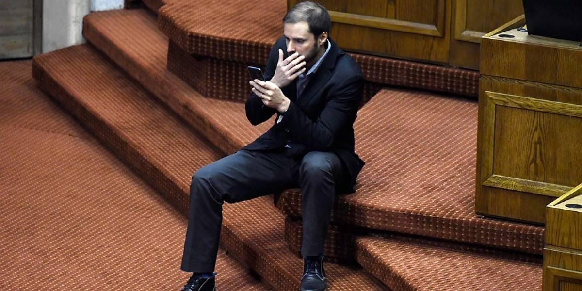 La celebración más corta de la historia: Jaime Bellolio da la sorpresa, gana presidencia de la Cámara de Diputados, pero ordenan repetir la votación