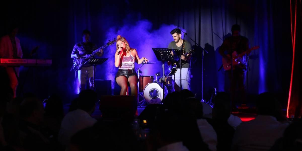 Marielle Hazlo se presentó con éxito en Chao Café
