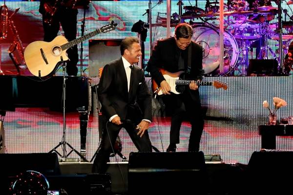 Nueva polémica de Luis Miguel: 'El Sol de México' le lanzó micrófono a sonidista en pleno concierto