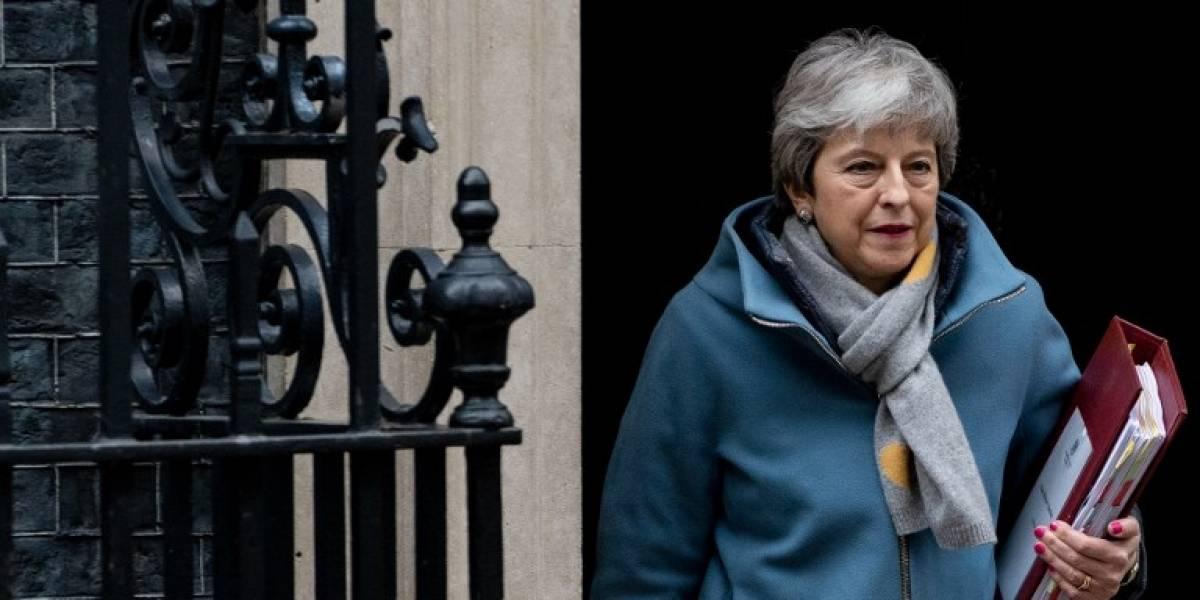 May pide una prórroga del Brexit a la Unión Europea