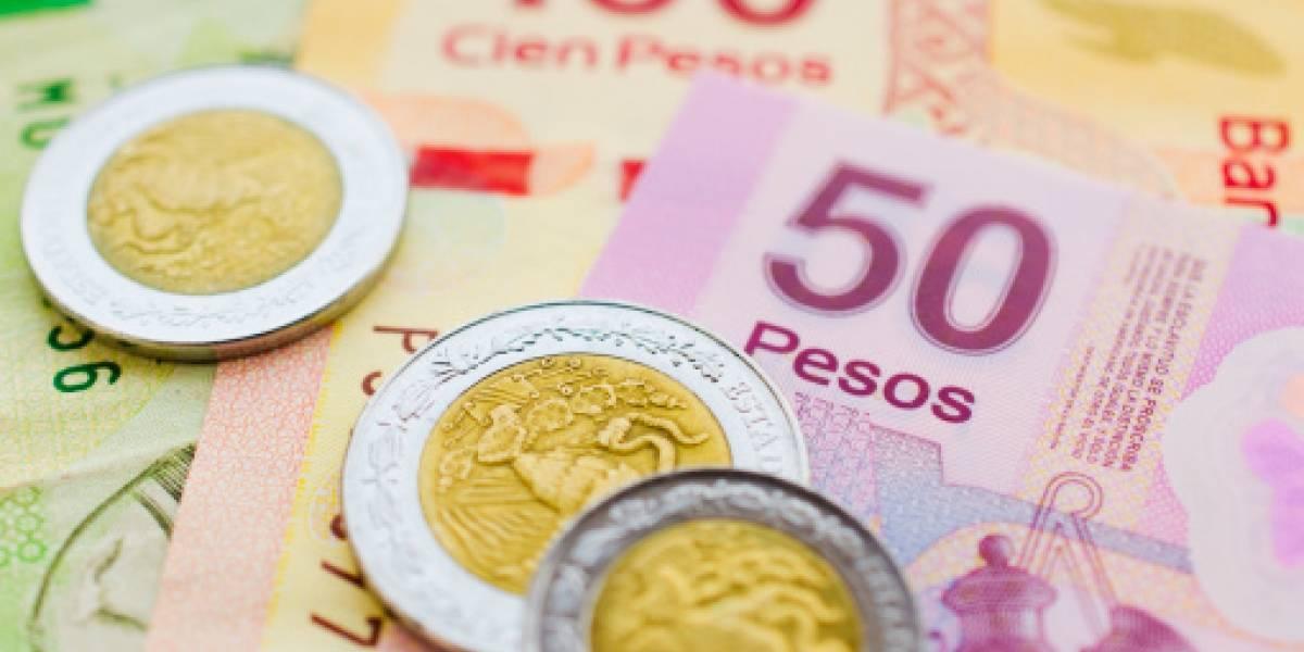 López Obrador presume fortalecimiento del peso frente al dólar