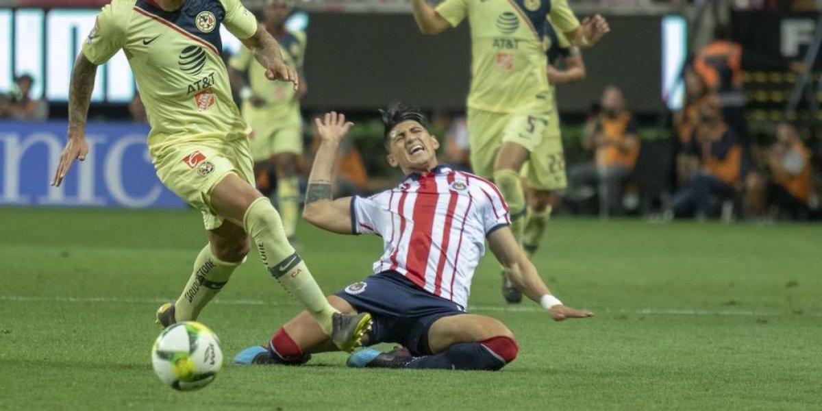 Derrota en el Clásico nacional deja a Chivas con tres lesionados