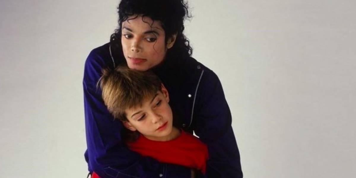 Un fanático se cambió el nombre a Michael Jackson... y ahora está desesperadamente arrepentido