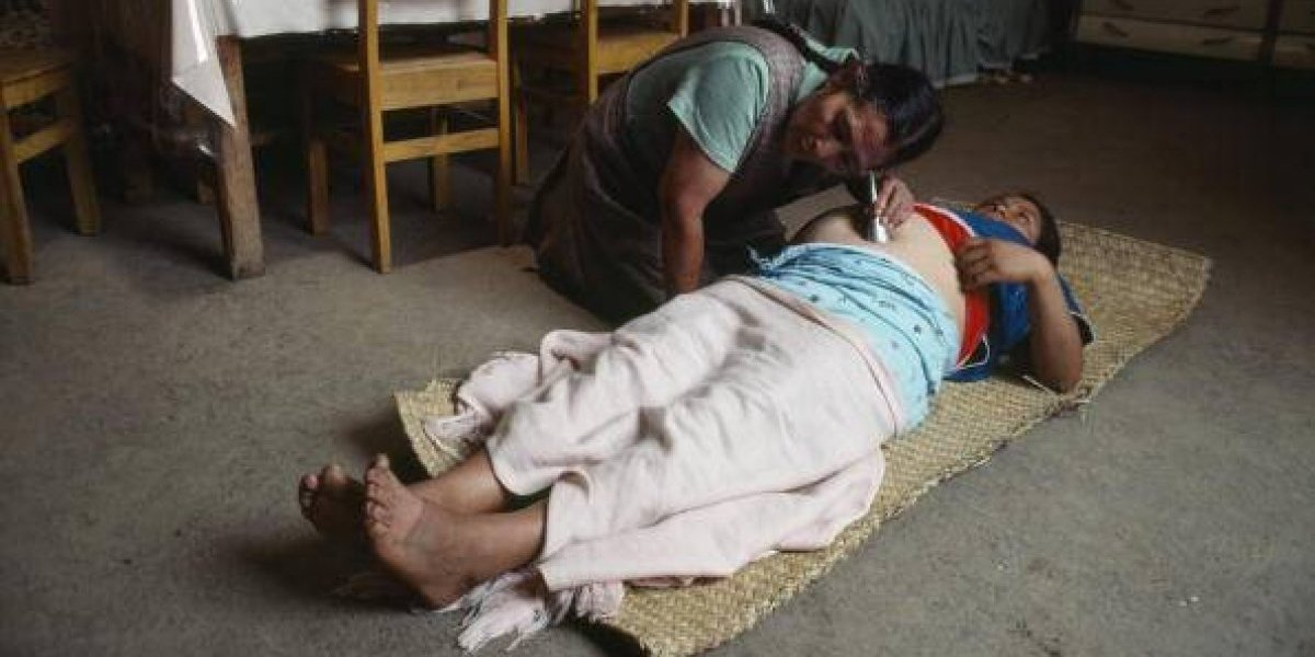 Capacita IMSS a parteras para abatir muerte materna en zonas rurales