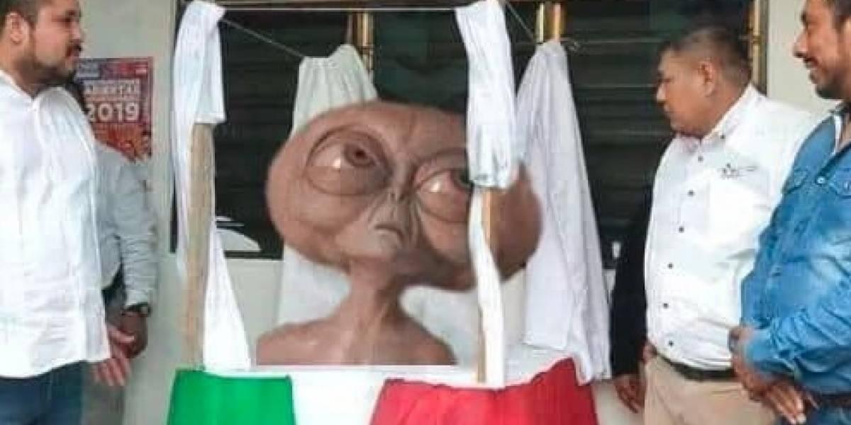 Busto de Benito Juárez en SLP desata memes