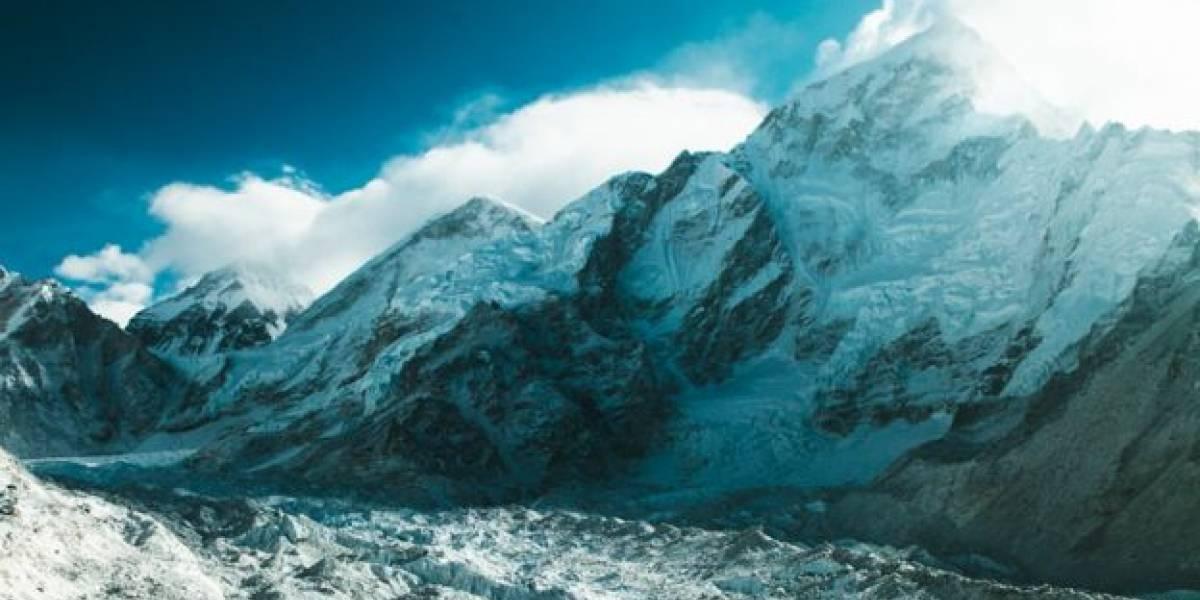 Calentamiento global descongela el Everest y deja cadáveres de montañistas al descubierto