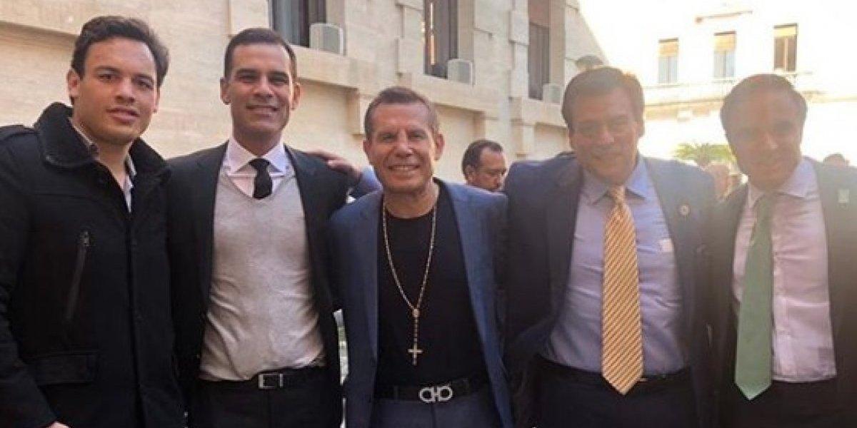 VIDEO: Julio César Chávez y Rafa Márquez visitan al Papa Francisco