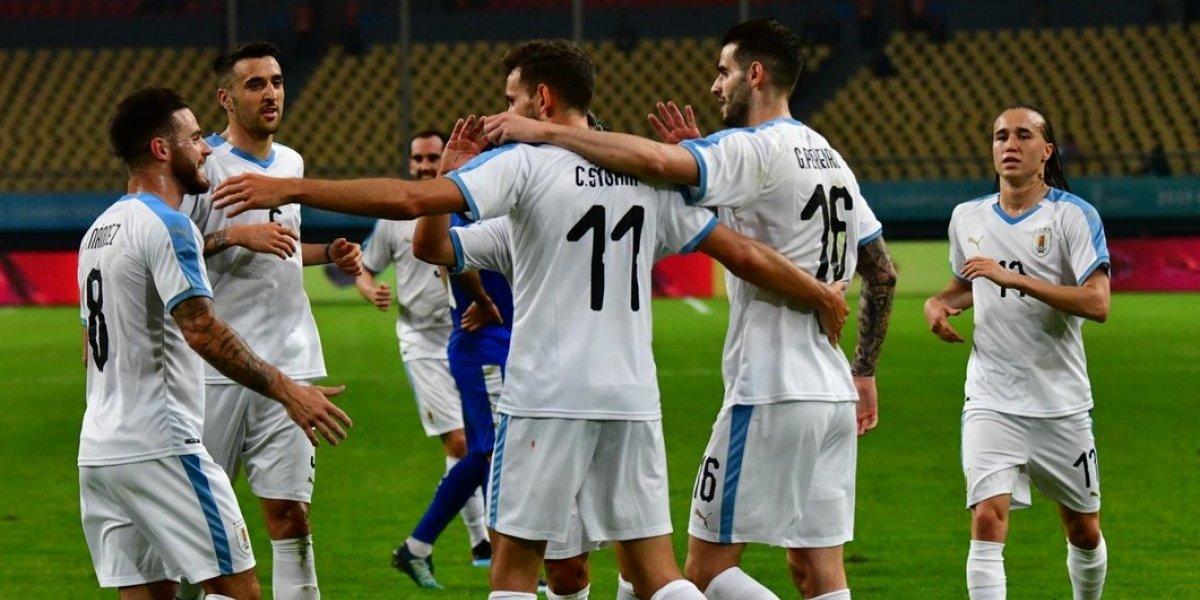 Uruguay salió de perdedor sin Suárez ni Cavani y se metió en la final de la China Cup