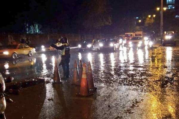 Quito: Habilitados dos carriles en la avenida Mariscal Sucre tras deslave en el Pinar Alto, calle Manuel Valdiviezo