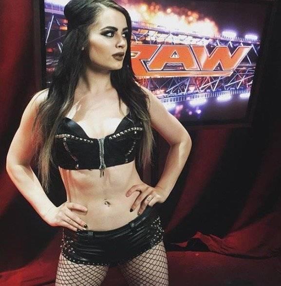 Paige se retiró en abril de 2018 Instagram