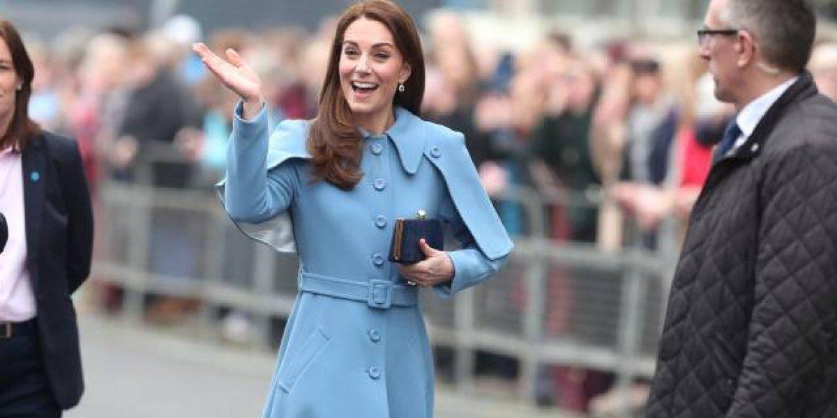 """Turistas visitan el Palacio de Kensington y se llevan una sorpresa: """"Caminamos junto a Kate Middleton"""""""