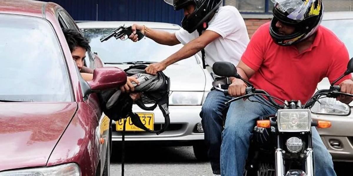 La policía de México buscará a quienes anden en moto en parejas de manera sospechosa
